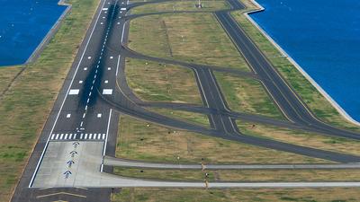 YSSY - Airport - Runway