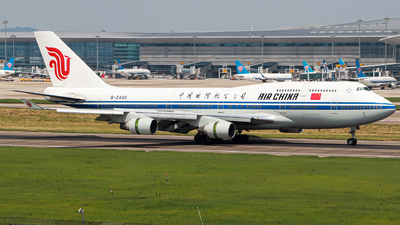 A picture of B2445 - Boeing 7474J6 - Air China - © Captain Lorca