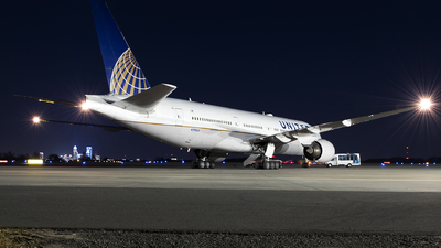 A picture of N793UA - Boeing 777222(ER) - United Airlines - ©  JC