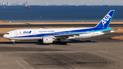 A picture of JA715A - Boeing 777281(ER) - All Nippon Airways - © Resupe