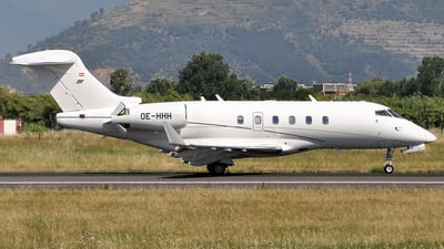 OE-HHH - Bombardier BD-100-1A10 Challenger 300 - International Jet Management