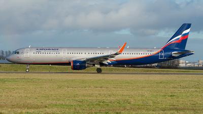 A picture of VPBFX - Airbus A321211 - Aeroflot - © Ricardo de Vries