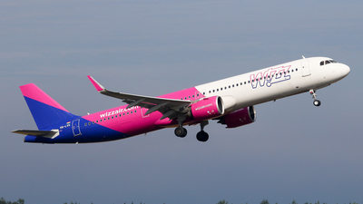 A picture of HALVH - Airbus A321271NX - Wizz Air - © BaszB