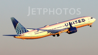 A picture of N37530 - Boeing 737 MAX 9 - United Airlines - © Xiamen Air 849 Heavy