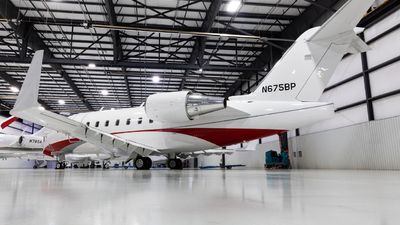N675BP - Bombardier CL-600-2B16 Challenger 604 - Private