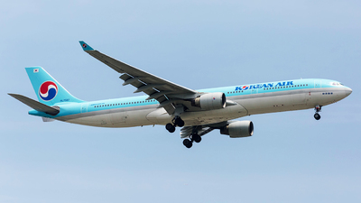 HL7587 - Airbus A330-323 - Korean Air
