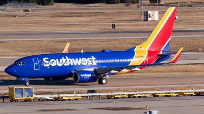 A picture of N457WN - Boeing 7377H4 - Southwest Airlines - © Saul Hannibal