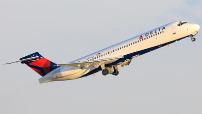 N929AT - Boeing 717-231 - Delta Air Lines