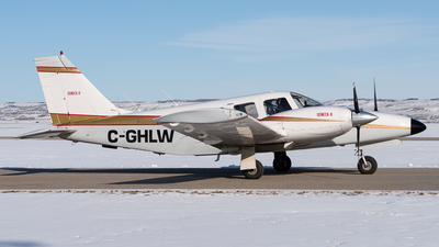 C-GHLW - Piper PA-34-200T Seneca II - Calgary Flying Club