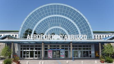LIBP - Airport - Terminal