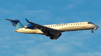 A picture of N506GJ - Mitsubishi CRJ550 - United Airlines - © Lorenzo P
