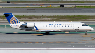 A picture of N912SW - Mitsubishi CRJ200LR - United Airlines - © global_flyer1