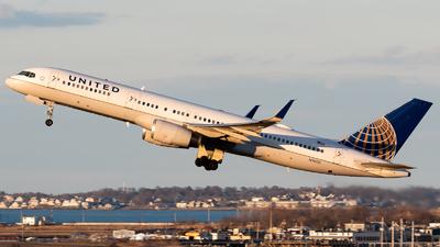N14115 - Boeing 757-224 - United Airlines