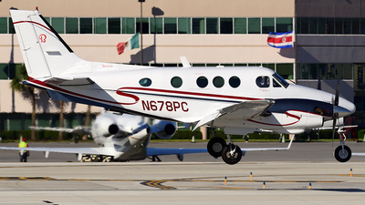 A picture of N678PC - Beech C90 King Air - [LJ715] - © Agustin Anaya