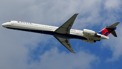 N955DN - McDonnell Douglas MD-90-30 - Delta Air Lines
