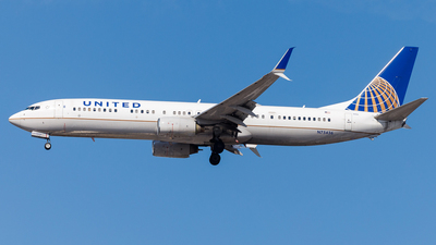 A picture of N75436 - Boeing 737924(ER) - United Airlines - © Martin Pinnau