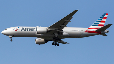 N768AA - Boeing 777-223(ER) - American Airlines