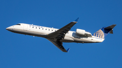 A picture of N943SW - Mitsubishi CRJ200LR - United Airlines - © Yan777
