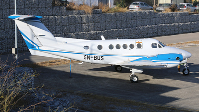 5N-BUS - Beechcraft 200 Super King Air - Private