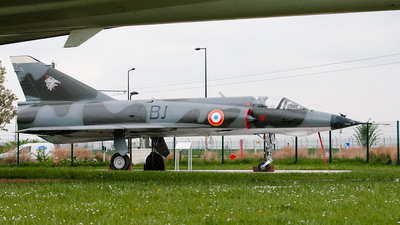530 - Dassault Mirage 3E - France - Air Force