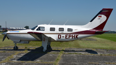 D-EPHK - Piper PA-46-350P Malibu Mirage - Private