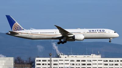 A picture of N12003 - Boeing 78710 Dreamliner - United Airlines - © Eddie Heisterkamp