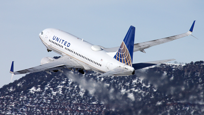 N39728 - Boeing 737-724 - United Airlines