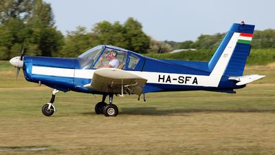 HA-SFA - Zlin 42M - Private