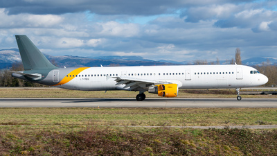 LY-VEG - Airbus A321-211 - Avion Express