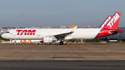 A picture of PTXPG - Airbus A321211 - LATAM Airlines - © DeltaFox Spotter