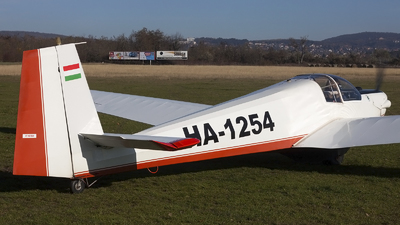 HA-1254 - Scheibe SF.25C Falke - Private