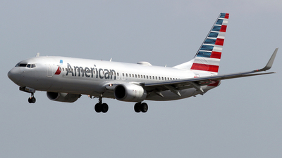 A picture of N817NN - Boeing 737823 - American Airlines - © La Roche Spotters