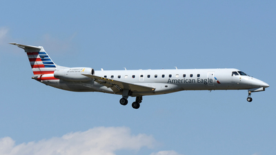 A picture of N820AE - Embraer ERJ140LR - American Airlines - © DJ Reed - OPShots Photo Team