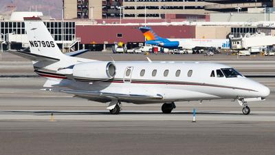 A picture of N679QS - Cessna 560XL Citation Excel - NetJets - © BaszB