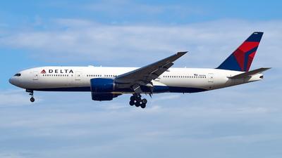 N863DA - Boeing 777-232(ER) - Delta Air Lines