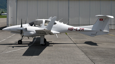 HB-LZR - Diamond DA-42 Twin Star - Private