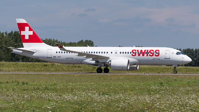 A picture of HBJCF - Airbus A220300 - Swiss - © Julian Mittnacht