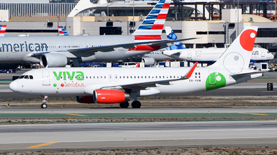 A picture of XAVAW - Airbus A320232 - VivaAerobus - © Rocky Wang