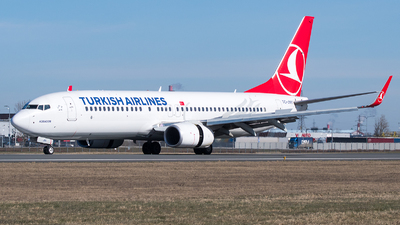 A picture of TCJVV - Boeing 7378F2 - Turkish Airlines - © Jevgeni Ivanov