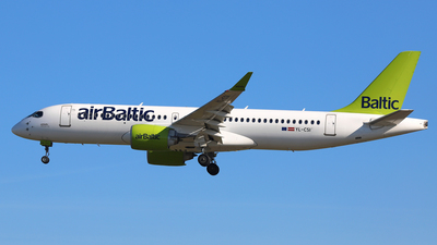 A picture of YLCSI - Airbus A220300 - Air Baltic - © Daniel Klein