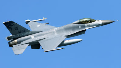 6682 - General Dynamics F-16A Fighting Falcon - Taiwan - Air Force