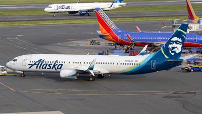 A picture of N260AK - Boeing 737990(ER) - Alaska Airlines - © HA-KLS