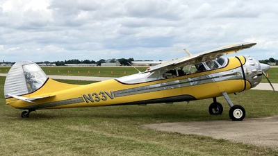 N33V - Cessna 195 - Private