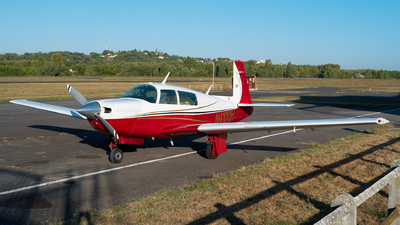 N4100H - Mooney M20J - Private