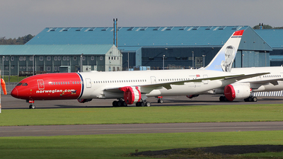 A picture of SERXY - Boeing 7879 Dreamliner - Norwegian - © Ian Howat