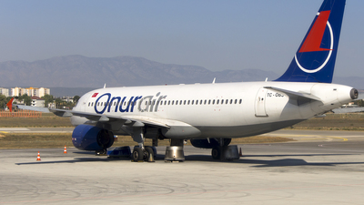 TC-OBS - Airbus A320-232 - Onur Air