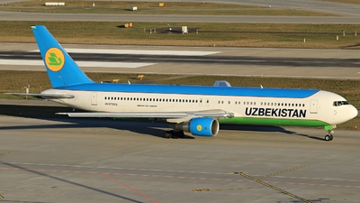 UK-67005 - Boeing 767-33P(ER) - Uzbekistan Airways