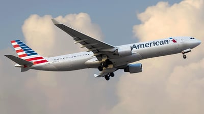 N276AY - Airbus A330-323 - American Airlines