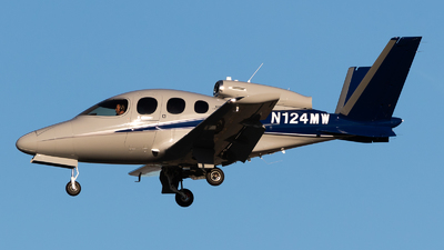 N124MW - Cirrus Vision SF50 G2 - Private
