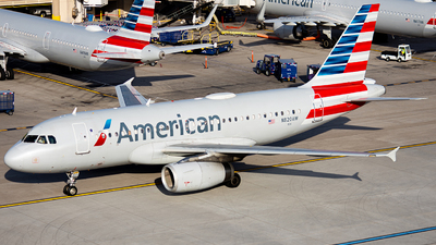 A picture of N820AW - Airbus A319132 - American Airlines - © Alexander Owen